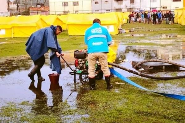 campamento de venezolanos en Bogotá se inundó tras torrencial aguacero