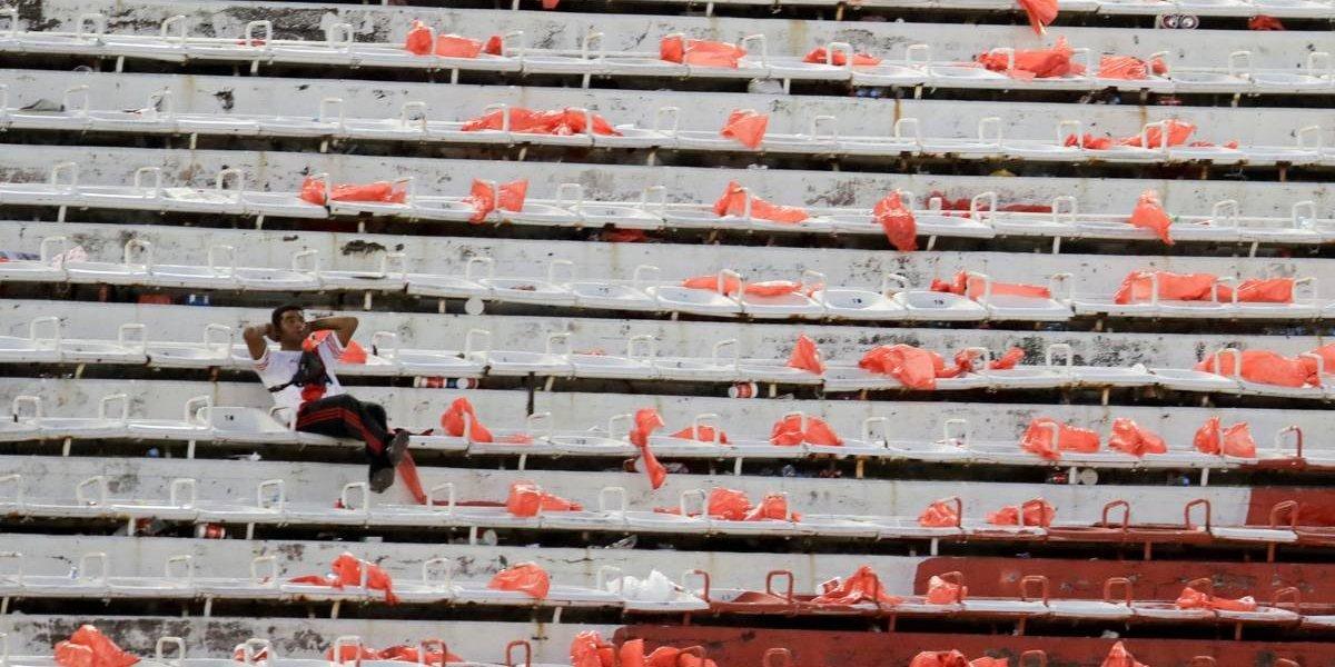 Copa Libertadores: clausura del Monumental duró apenas unas horas y esta tarde se disputaría la final entre River y Boca tras el papelón mundial
