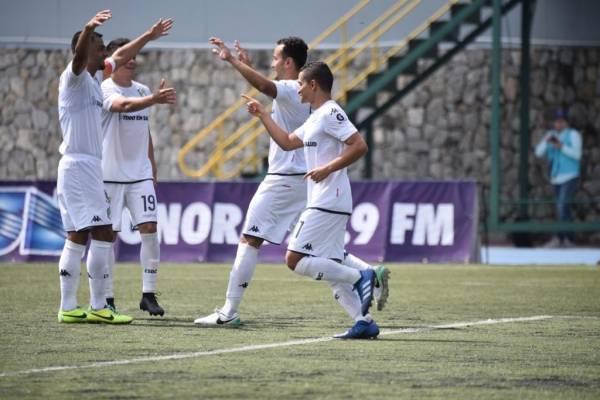 Gol de Comunicaciones contra Iztapa