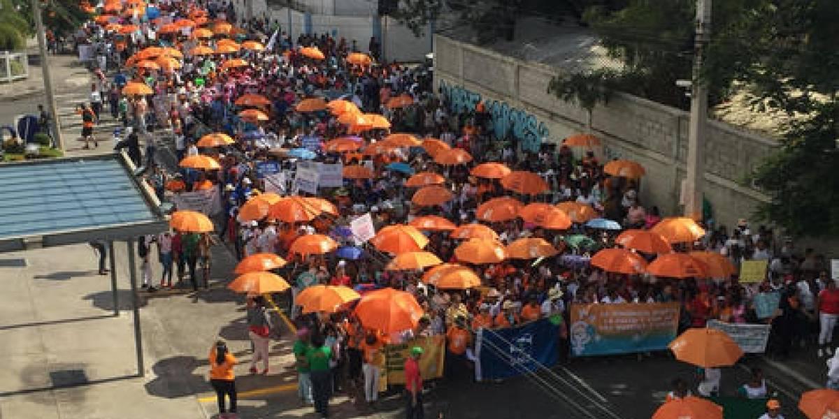Dominicanas salen a la calle en contra de  la violencia de género
