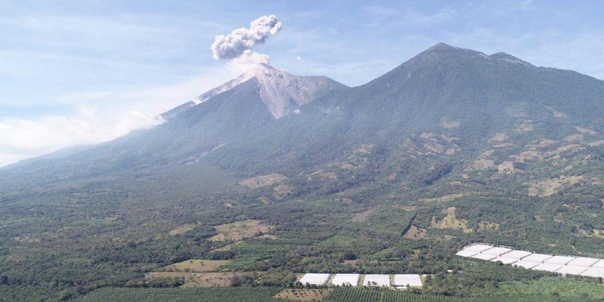 Cada hora el volcán de Fuego tiene 15 explosiones, según el Insivumeh