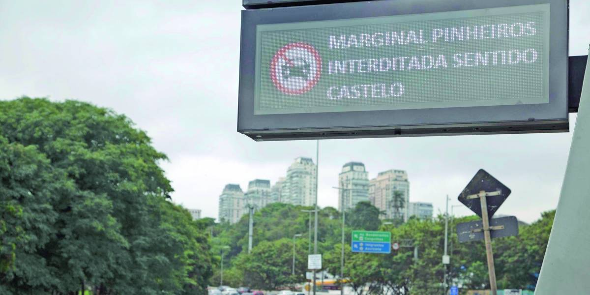 Obra em viaduto da marginal Pinheiros vai afetar metas da prefeitura