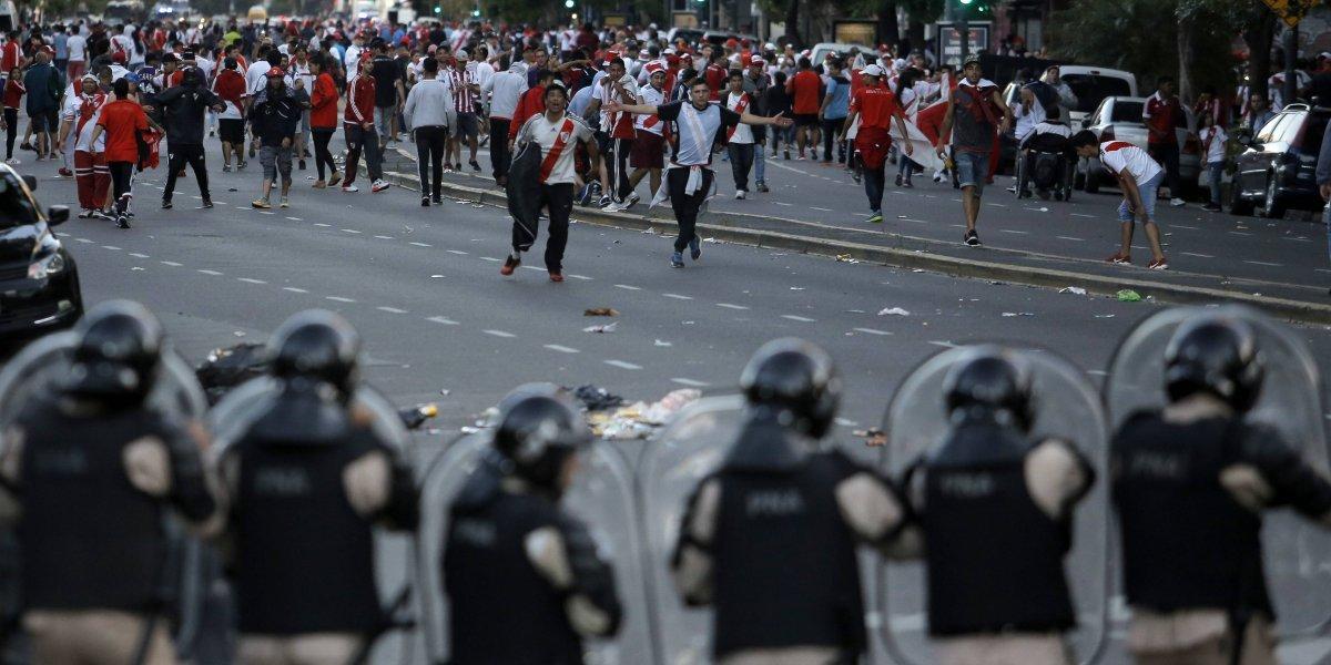 Médico de Boca reveló detalles de la caótica salida en ambulancia de Pablo Pérez en la final de Libertadores