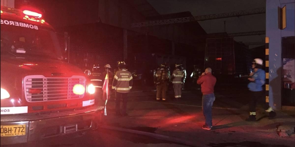 ¡Atención! Se presenta grave incendio en fábrica de Postobón en Puente Aranda