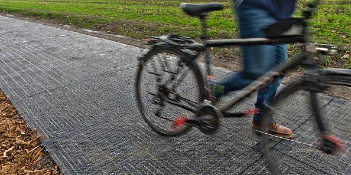 Muere arrastrado por el agua tras negarse a soltar a su bicicleta