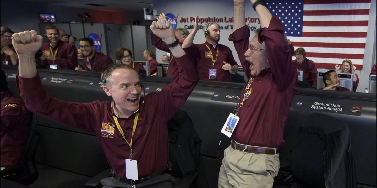 La sonda InSight aterriza con éxito en Marte y envía su primera foto