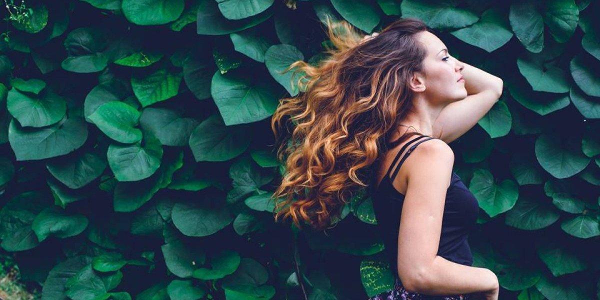 Los beneficios del agua micelar para el cuidado del cabello