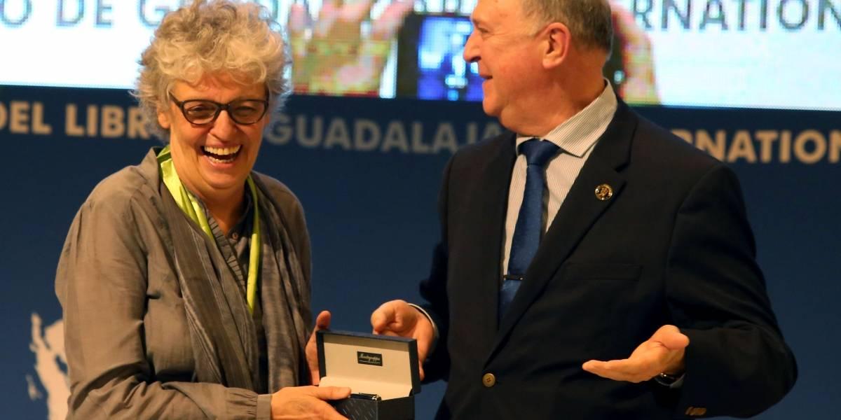 Realizan homenaje al Mérito Editorial a la colombiana María Osorio Caminata