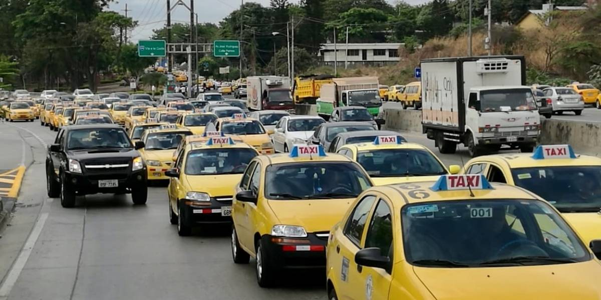Anuncian movilización de taxistas de Pichincha para este 28 de noviembre en Quito