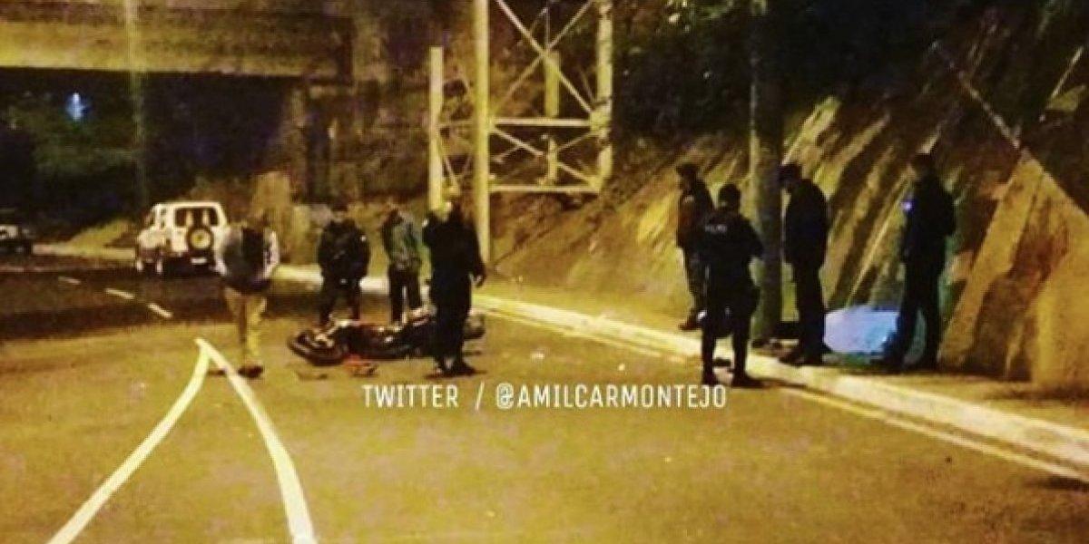 Un muerto y un herido tras colisión de motocicleta en zona 3