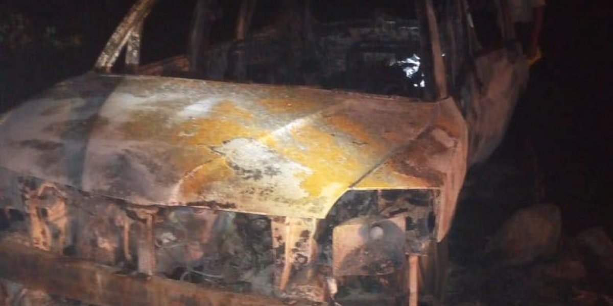 Localizan personas fallecidas dentro de vehículo quemado en ruta a Puerto Quetzal