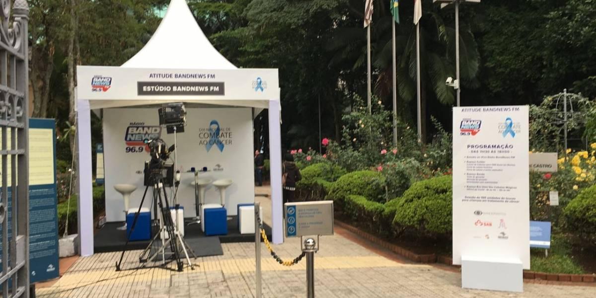 BandNews FM faz programação com exames de saúde e doação de cabelos na avenida Paulista