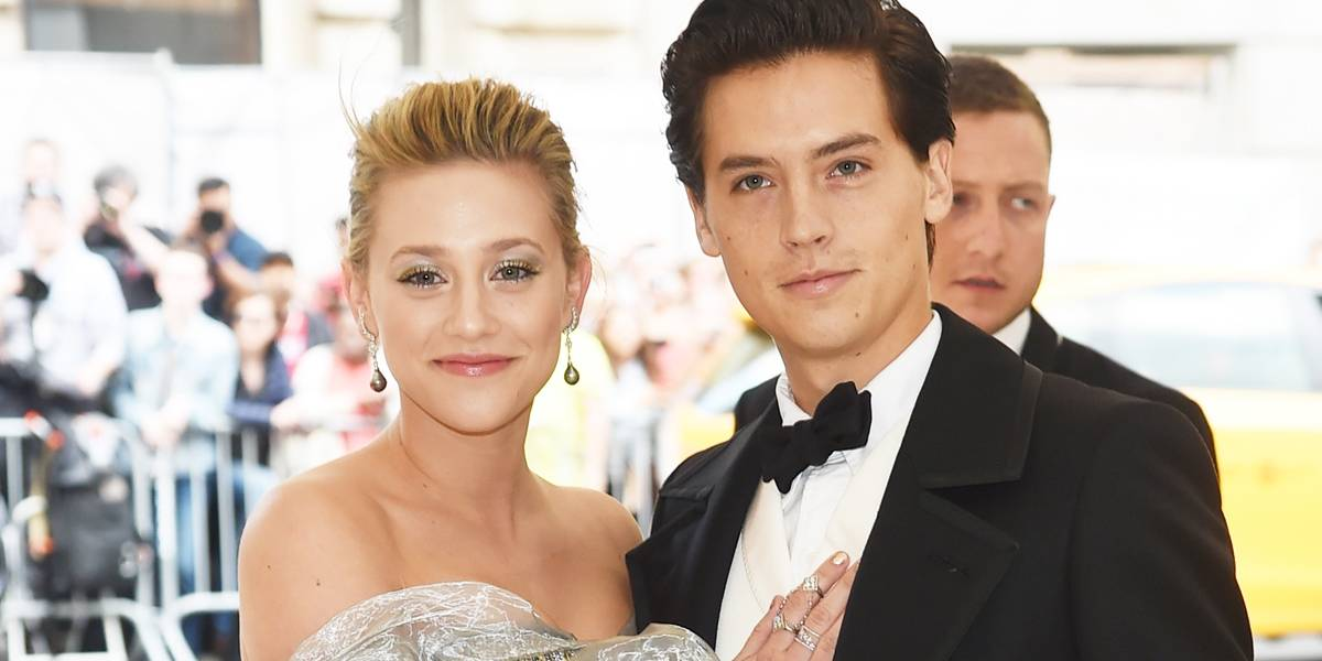 Riverdale: Lili Reinhart fala sobre namoro com Cole Sprouse