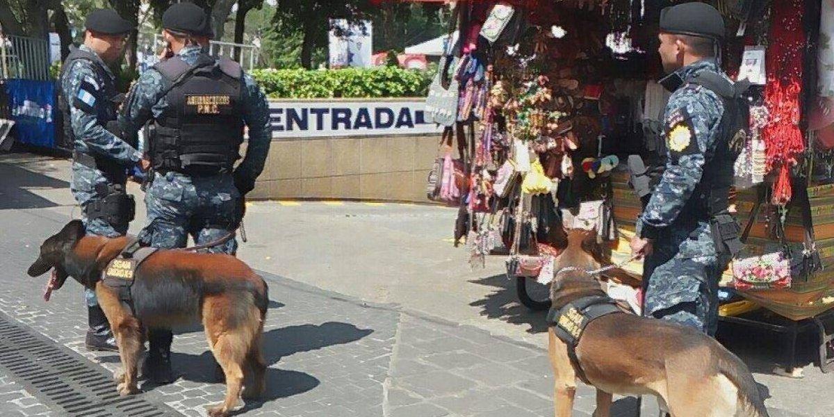 """Coffe"" alertó sobre droga oculta en base de poste de alumbrado en la zona 1"