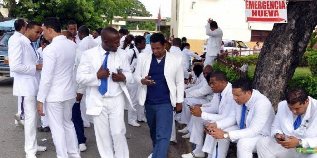Médicos de Valverde volverán a paralizar hospitales por 48 horas