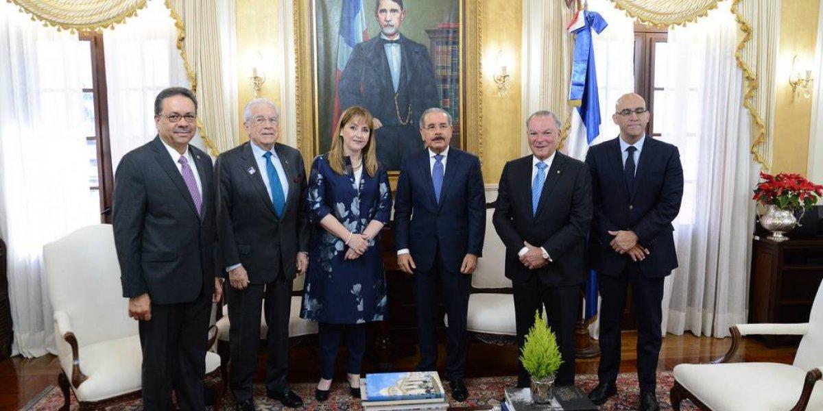 Medina recibe visita de la presidenta del Consejo Mundial de Viajes y Turismo