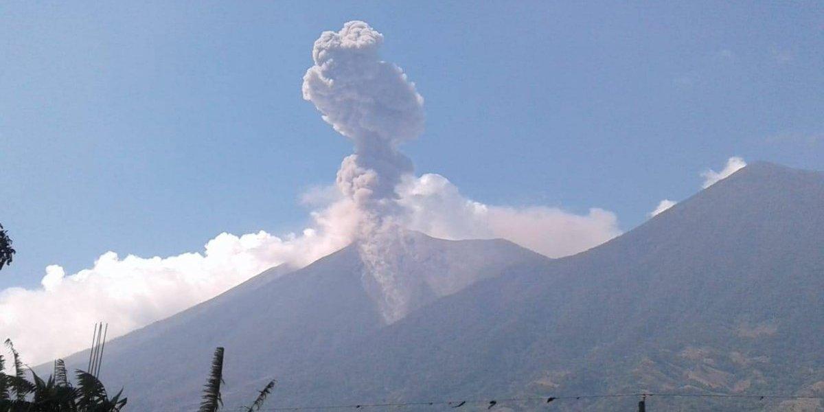 Conred recomienda no escalar volcanes activos