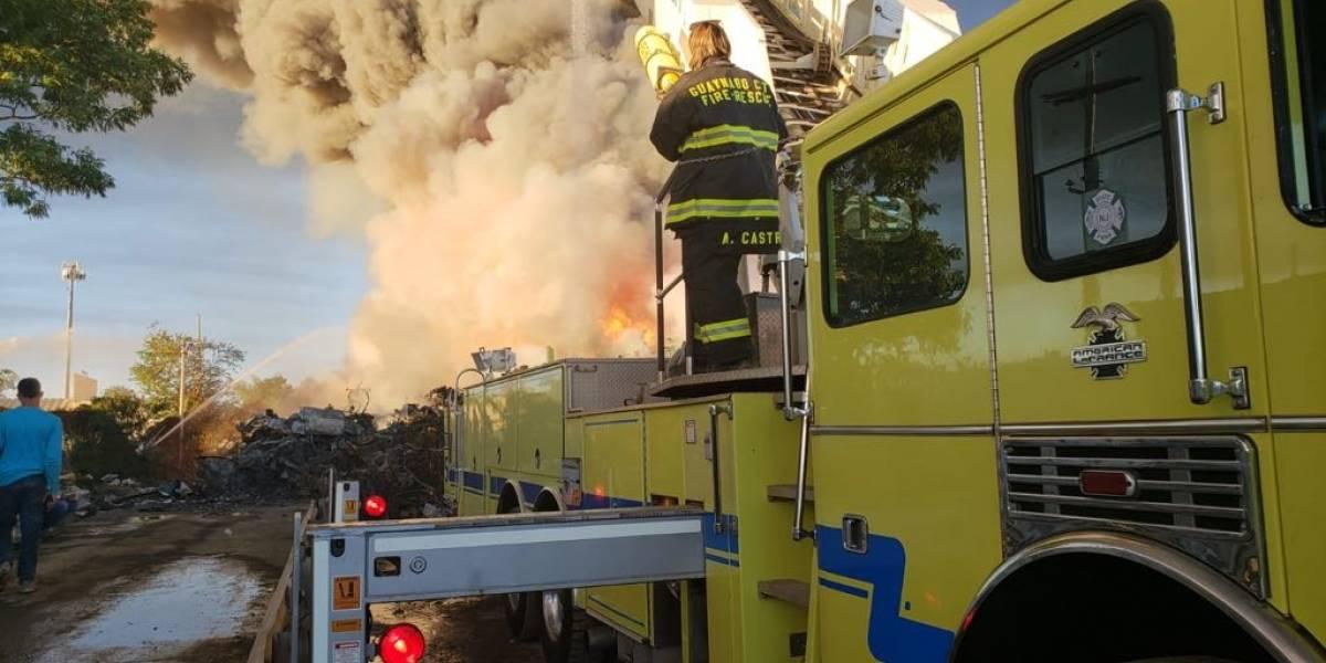 Discrepan sobre respuesta a incendio en Carolina