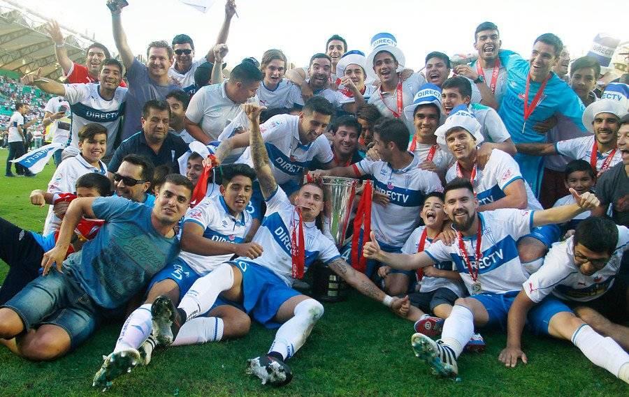 Magnasco estuvo en el plantel de la UC que logró el título del Apertura 2016-2017 en Temuco / Foto: Agencia UNO