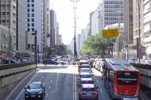 https://www.metrojornal.com.br/foco/2019/07/21/previsao-do-tempo-segunda-feira-ensolarada-e-sem-chuva-marca-inicio-da-semana-em-sp.html