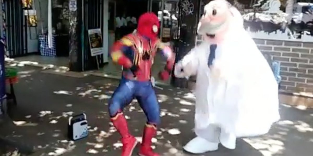 Si los veo me pongo a bailar con ellos: Estúpido y Sensual Spiderman y Dr. Simi la rompen con nuevo duelo de baile al ritmo del #skibidichallenge
