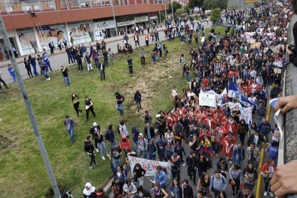En vivo la marcha estudiantil en Bogotá