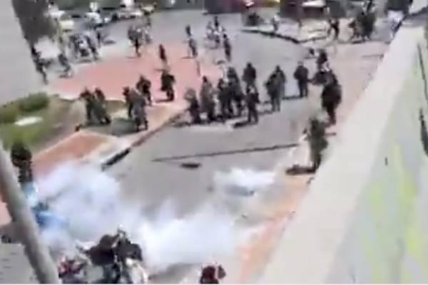 Video del momento en el que el Esmad ataca a estudiantes