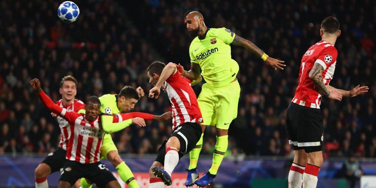Vidal estuvo a la altura en su debut como titular en la Champions con un Barcelona que se aseguró el liderato del grupo