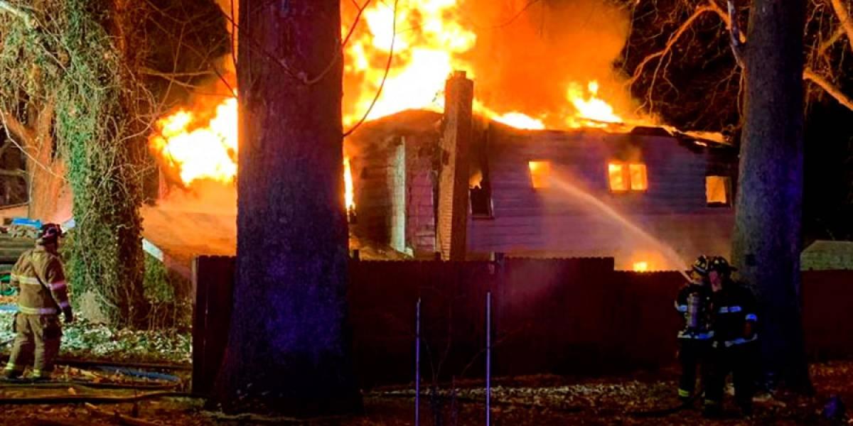 Hay 4 niños entre los 6 muertos por incendio en Indiana