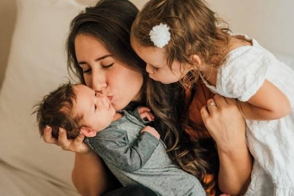 kiss-baby2