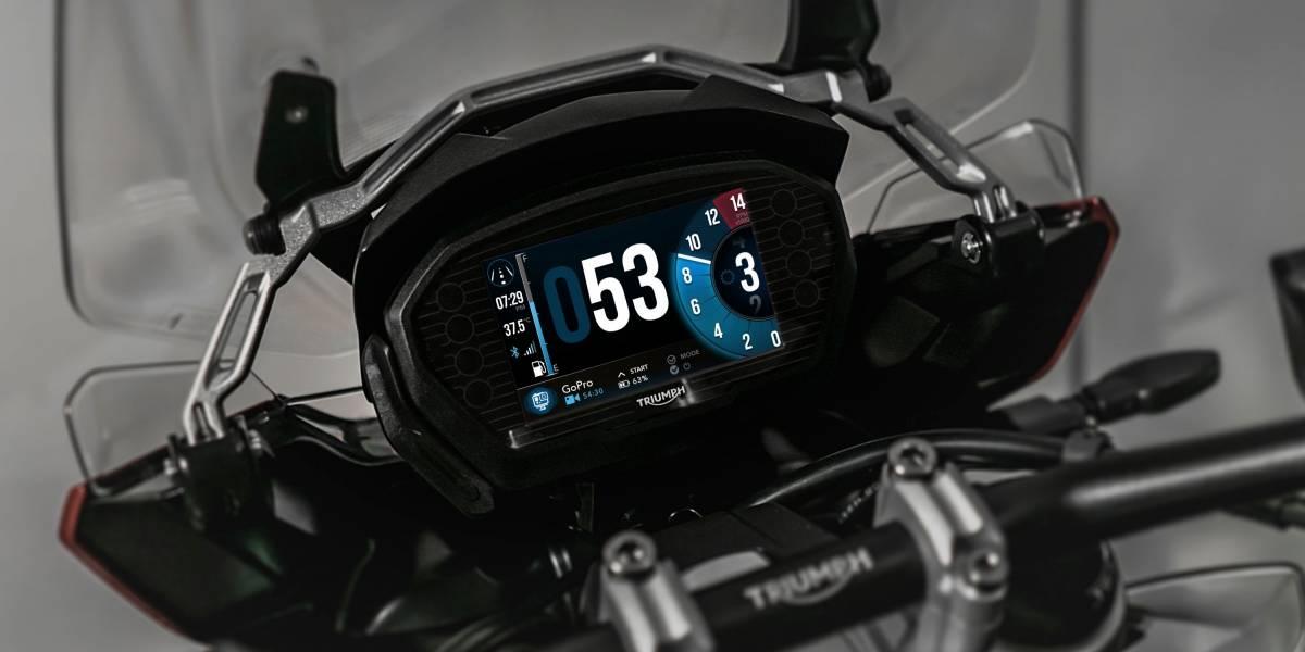 Por primera vez una motocicleta integra sistema de control para GoPro y panel con mapas de Google