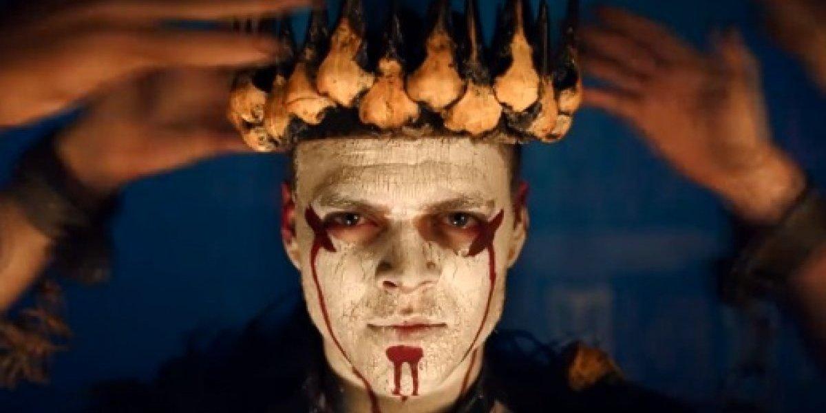 Vikings: Novo vídeo promocional mostra uma coroação macabra de Ivar