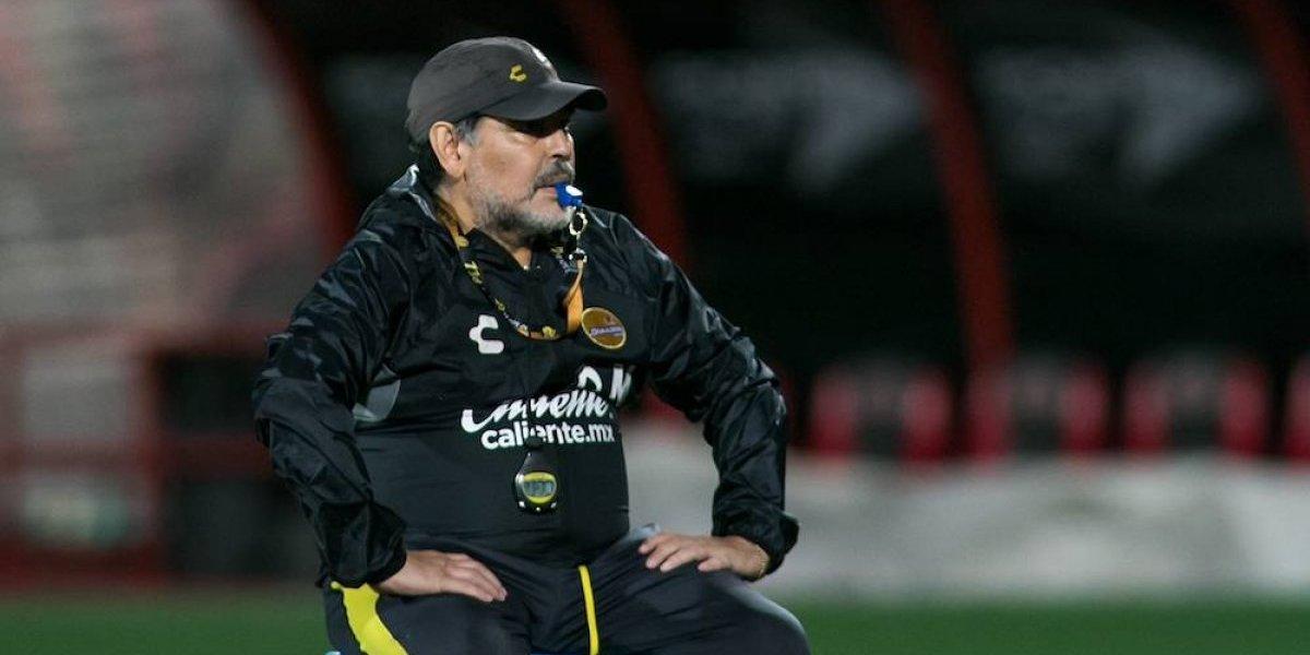 Maradona califica de lacra al presidente de la Conmebol