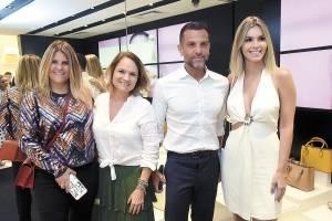 Luciana Wodzik, Raquel Melo, Alexandre Birman e Renata Vervloet no lançamento da Schultz em Vix
