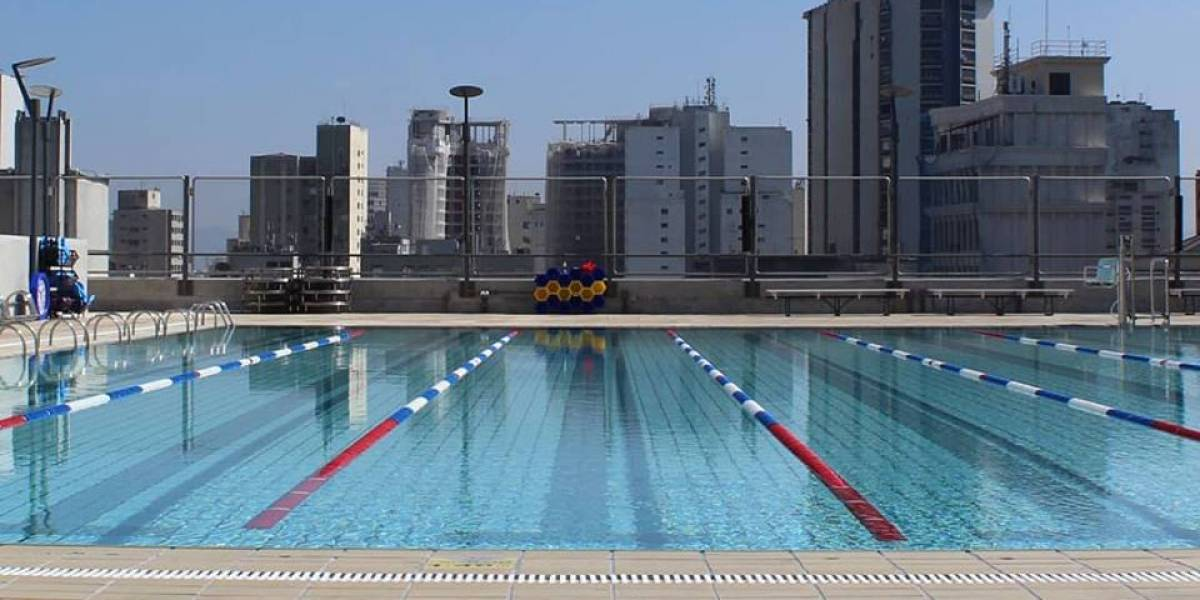 Após invasão de abelhas, piscina do Sesc 24 de Maio é liberada