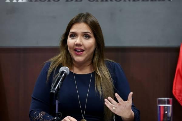 Vicepresidenta María Alejandra Vicuña
