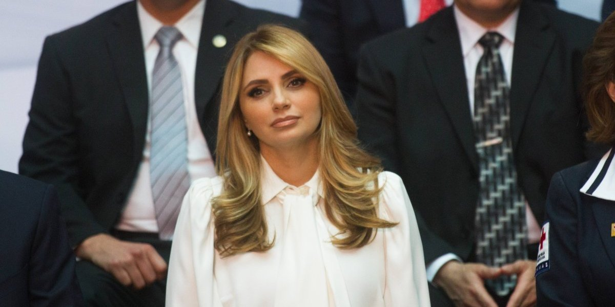 Angélica Rivera acapara las miradas en sus últimos días como primera dama