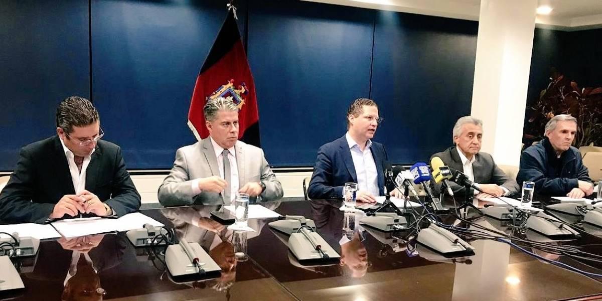 Paro de taxistas en Quito: Alcalde Mauricio Rodas exhorta al gremio a laborar con normalidad