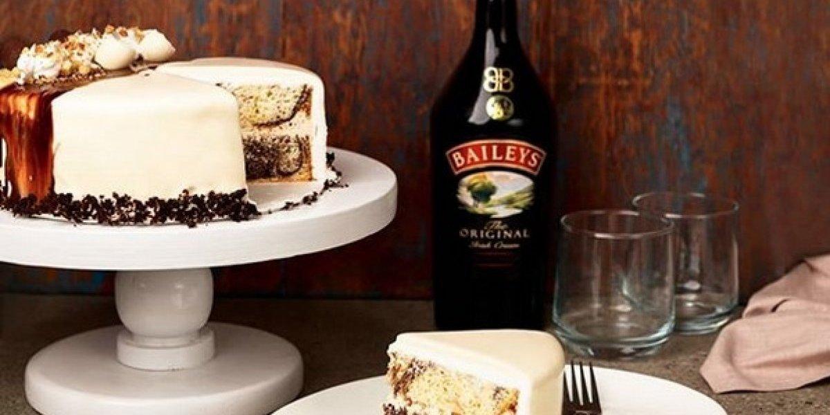 Brindis, un pastel que está bañado en Bailey's