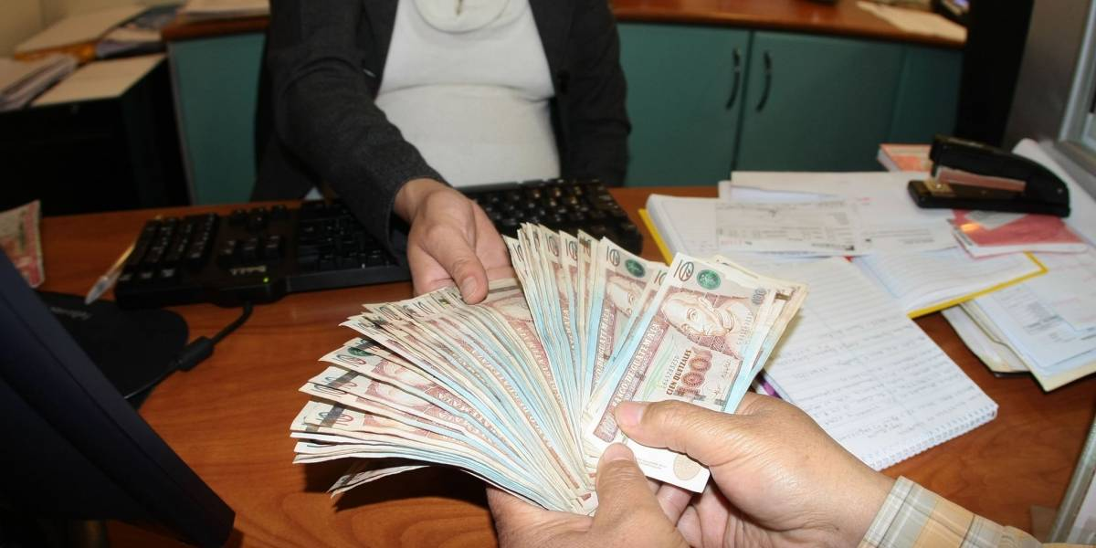 Banguat alerta por la circulación de billetes falsos
