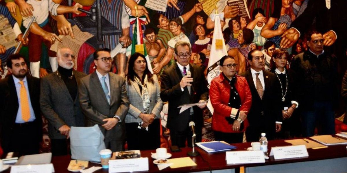 Concluye transición en el gobierno de la Ciudad de México