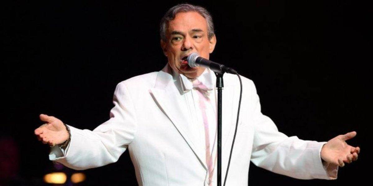Lágrimas y serenatas en tributo en Miami a José José