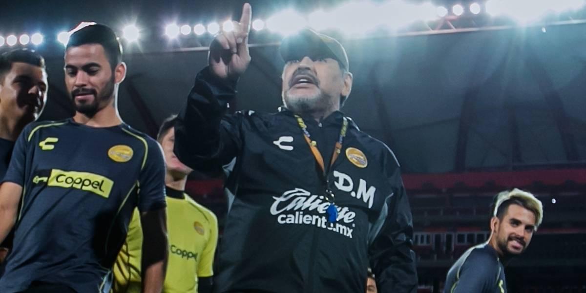 VIDEO: Maradona no aguantó más y regañó a la afición de Dorados