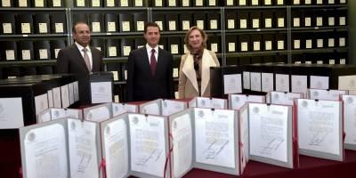 Peña Nieto recorre Archivo General de la Nación