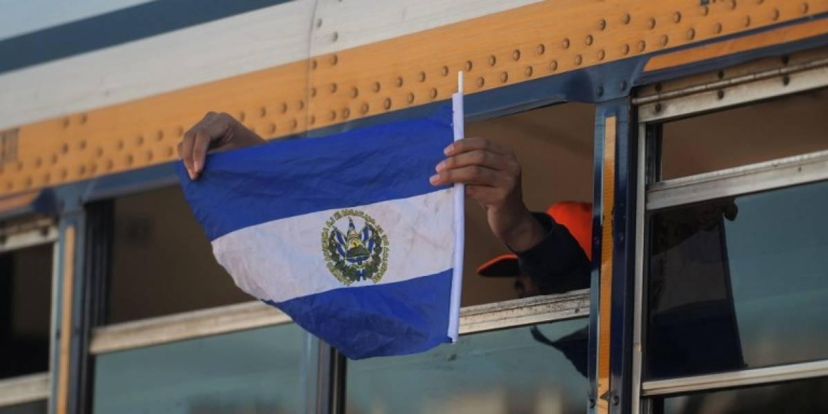 Redes sociales, un túnel de esperanza y miedo para migrantes centroamericanos