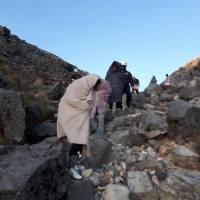 Rescatan a grupo de turistas extraviados en volcán Tajumulco