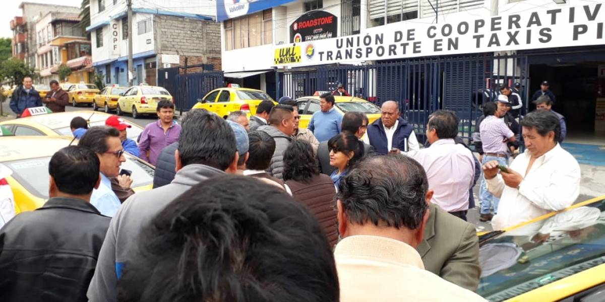 Rafael Correa se pronuncia sobre paro de taxistas en Quito