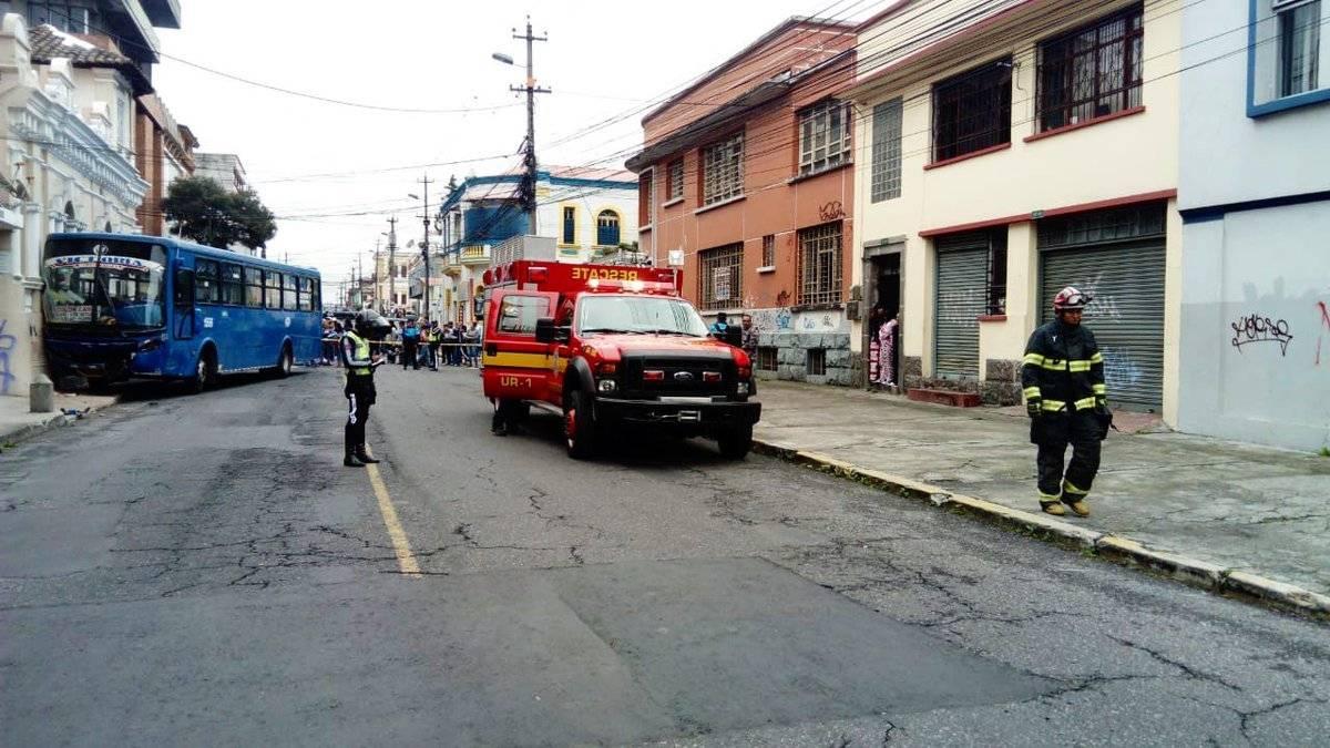 Accidente entre un bus y dos vehículos livianos Twitter