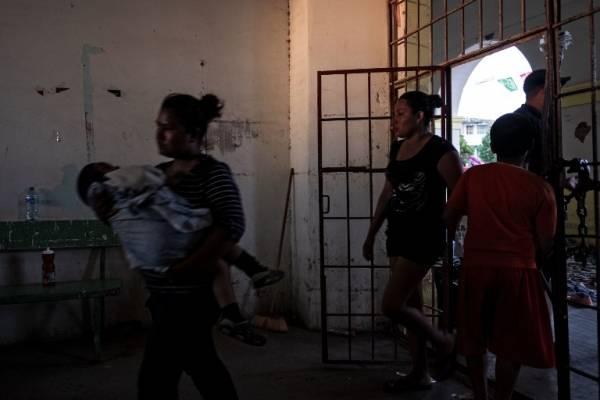 Mujeres de caravana migrante
