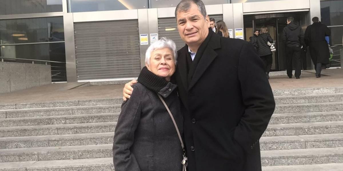 Rafael Correa y mamá de Jorge Glas en el Parlamento Europeo